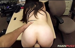 Pussy Pawn 01