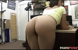 Pawning her pussy 11