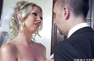 Lexi Lowe gets one last flannel before the wedding